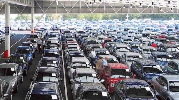 El Pive y las empresas siguen impulsando las ventas de coches