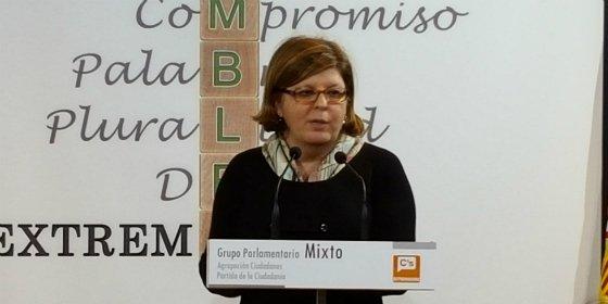 """Victoria Domínguez: """"El rechazo a los Presupuestos es fruto de una nueva forma de hacer política"""""""