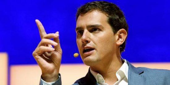 Albert Rivera da calabazas a Pedro Sánchez: rechaza el acuerdo PSOE-Ciudadanos-Podemos