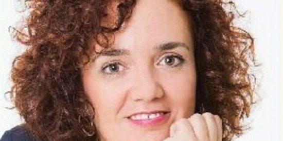 La escritora pacense Anabel Rodríguez presenta en el Museo de Olivenza su novela Azaría