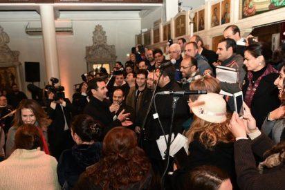 Visita sorpresa de Al Assad a una iglesia en Damasco