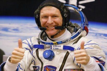 """El astronauta despistado llama desde el espacio y se equivoca de número: """"Hola, ¿es el planeta Tierra""""?"""