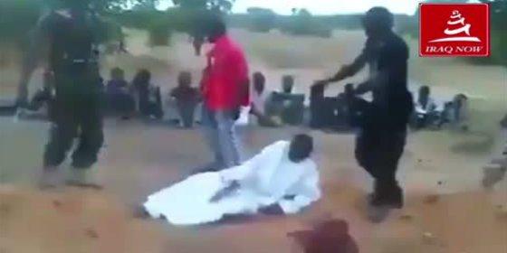 Así le cortan los 'santos' cristianos el cuello a unos 'pecadores' musulmanes