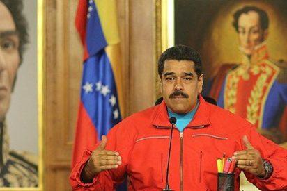 [VÍDEO] Así se hace Maduro el santo tras condenarle la oposición al infierno político