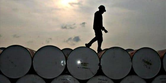 El precio del petróleo sigue sin encontrar suelo en el mundo
