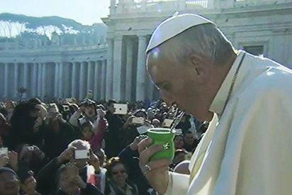 """El Papa denuncia el """"escándalo y la vergüenza"""" de la convivencia en África de la riqueza y la miseria"""