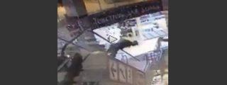 [Vídeo] Espantosa muerte al caerse desde las escaleras automáticas de unos almacenes