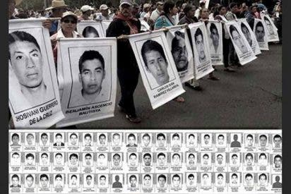 Los padres de los 43 de Iguala quieren reunirse con el Papa
