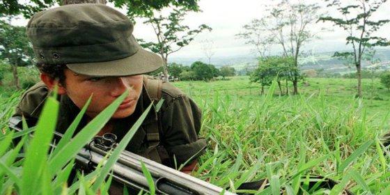 """""""Salir volando, tener alas"""": recuerdos de un niño guerrillero de las FARC"""