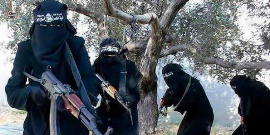 La 'Gestapo femenina' del ISIS mutila y mata a una madre por amamantar a su bebé