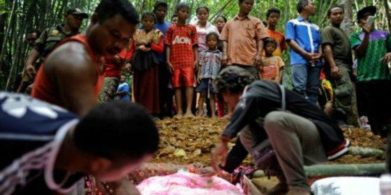 Los niños que huyeron de la escuela y aparecieron muertos en la selva malaya
