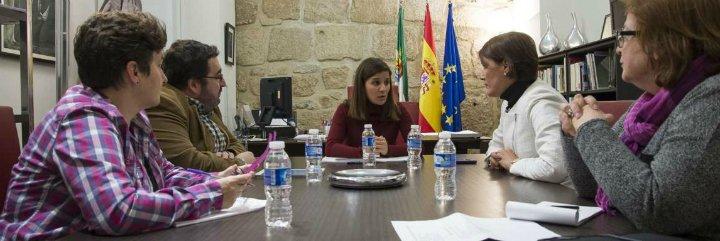 La Junta pondrá en marcha un plan de trabajo para desarrollar la Ley de Igualdad Social LGBTI