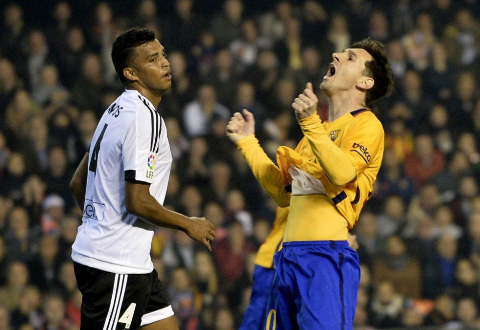 El Barça afloja y se deja dos puntos en Valencia