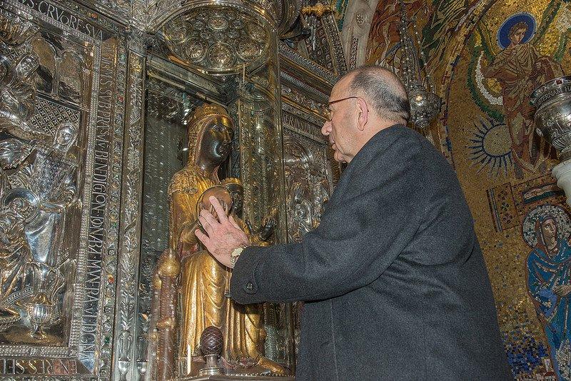 El nuevo arzobispo de Barcelona peregrina a la abadía de Montserrat