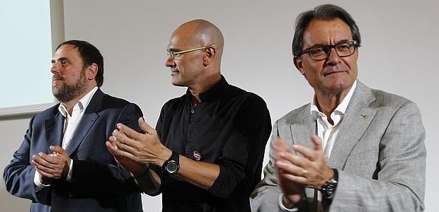 """Artur Mas: """"Jurídicamente la resolución de independencia de Cataluña queda anulada; políticamente, no"""""""