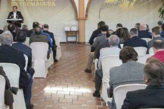 Vara pone el jamón ibérico DO Dehesa de Extremadura como ejemplo de calidad