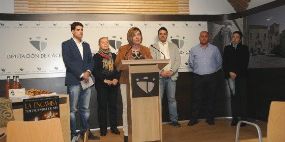 """La Encamisá"" de Torrejoncillo (Cáceres) llena este fin de semana sus calles de jinetes y escopeteros"