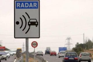 La DGT sancionada por el margen de error de sus radares