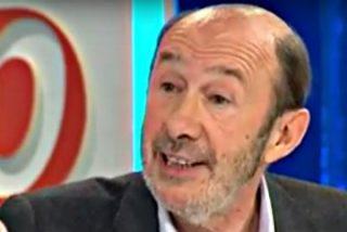 """""""Rajoy lo piensa todo y no ha ido a los debates porque ha querido mandar un mensaje: que se peguen los segundos"""""""