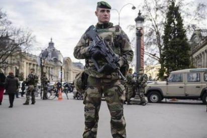 París se queda sin fuegos artificiales de Nochevieja en los Campos Elíseos