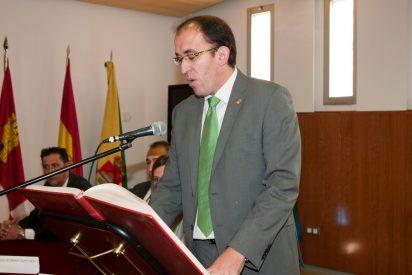 El Gobierno de Pedrajas de San Esteban reclama un Iphone 6, una tablet, una factura de 300 euros y unas entradas al anterior Alcalde Sergio Ledo