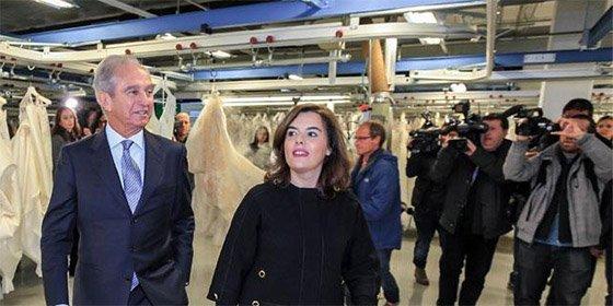 """Así 'agradece' El País los favores de Soraya Sáenz de Santamaría a PRISA: le llama """"bestia"""""""