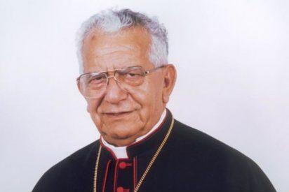 Bolivia condecora al cardenal Terrazas