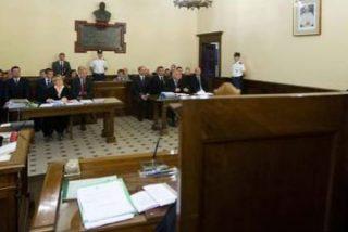 Los cardenales Parolin y Santos Abril, y el limosnero vaticano, testificarán en el juicio por el