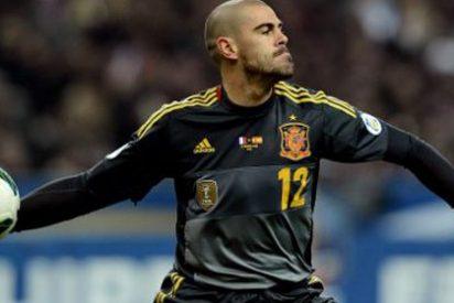 ¡Víctor Valdés podría terminar jugando en una liga menor!