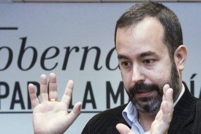 El PSOE reprocha hoy a Montoro que no publique los nombres de los defraudadores que paguen su deuda