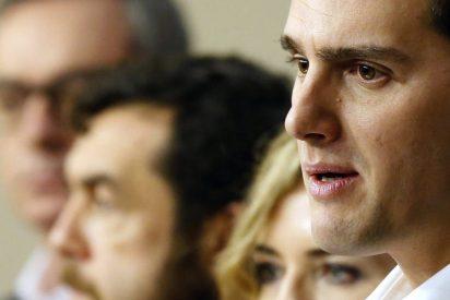 Albert Rivera hace que Pablo Iglesias se la envaine y se quede sin cuatro grupos en el Congreso