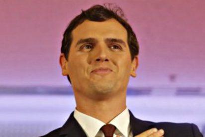 """Albert Rivera fulmina las ansias de poder de Pablo Iglesias : """"Unos negociamos reformas, otros lo primero que piden son sillones de gobierno"""""""