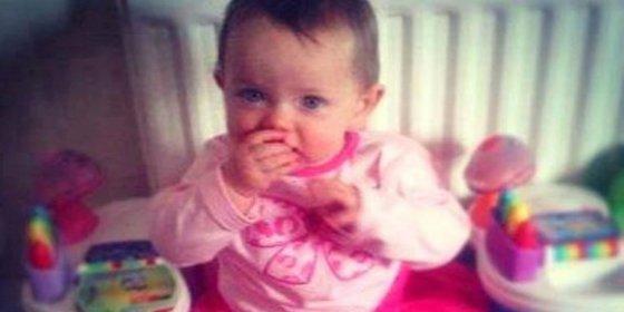 Muere una bebé británica de 13 meses tras la agresión sexual de su padre