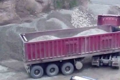 De esta forma muere aplastado un camionero por una mala maniobra