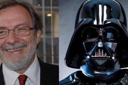 Cebrián, el Lado Oscuro de la Prensa: el mandamás de Prisa accedió a disfrazarse de Darth Vader para un reportaje