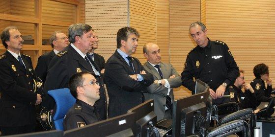 Cosidó visita CEFRONT, el nuevo Centro Nacional de Coordinación de Puestos Fronterizos de la Policía Nacional
