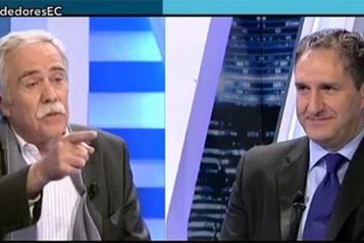 """El repaso de Pérez Henares a un socialista: """"¿De verdad creéis que para llegar al poder es necesaria tal humillación del partido?"""""""