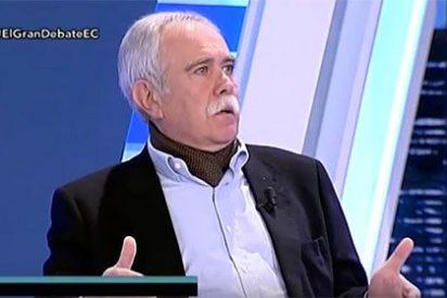 """Pérez Henares se lía aescobazos con la 'bruja' Carmena: """"Tiene la mierda en el suelo"""""""
