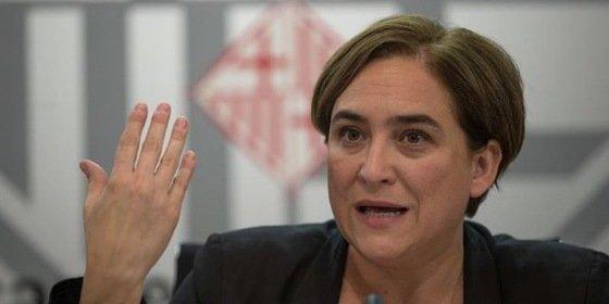 Barcelona ordena el cierre de 388 alojamientos turísticos y tramita el precinto de 33