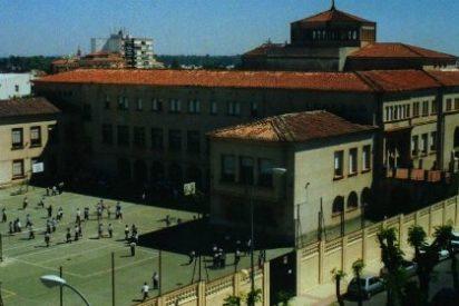 """El Colegio Santa María Assumpta de Badajoz celebra el """"Día Escolar de la Paz y la No Violencia"""""""