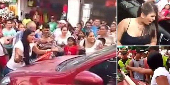 [Vídeo] Descubre al marido paseando a la amante en coche y monta el pollo
