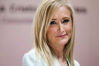 Cristina Cifuentes acusa a un concejal de Carmena y a un diputado podemita de insultarla en Twitter