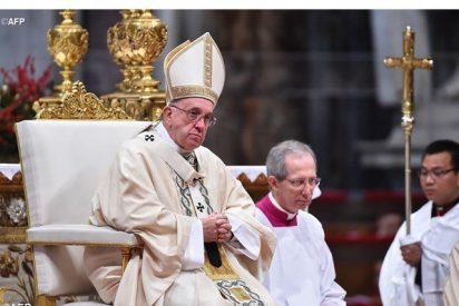 """El Papa en la Epifanía: """"Como la luna es la Iglesia. No brilla con su propia luz, sino con la de Cristo"""""""