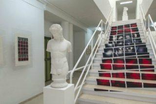 Dos exposiciones de Ceferino López ocupan la Escuela de Arte de Mérida