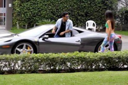 La listorra que rechaza a un joven y se 'arrepiente' cuando ve su Ferrari
