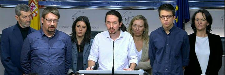 """De casta le viene el cargo a Pablo Iglesias: exige ser vicepresidente en un """"gobierno del cambio"""" con PSOE e IU"""