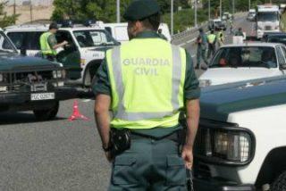 Cada vez, menos guardias civiles en la calle y más mandos en los despachos