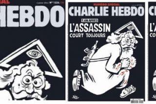 """""""Charlie Hebdo"""" presenta a un dios armado con un kalashnikov en su portada"""