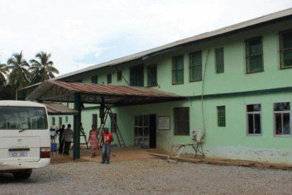La reconstrucción de los sistemas sanitarios es urgente en la zona post Ébola