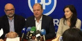 Monago pide protagonismo para los autónomos en los PGEx